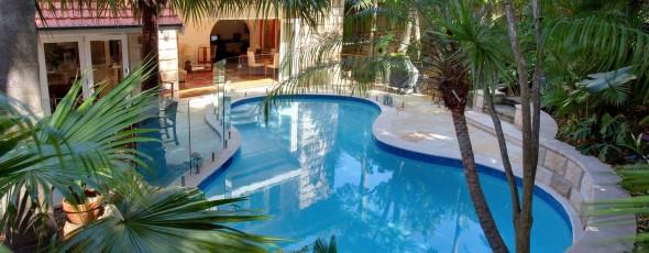 Residential Pool Builder 1
