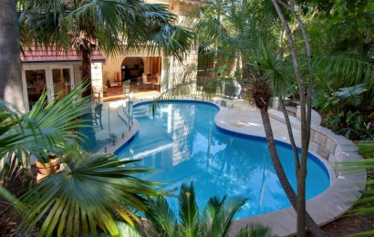 Prestigious tropical oasis tranquillity